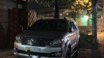 Bán Toyota Fortuner năm sản xuất 2016, màu bạc chính chủ, giá tốt