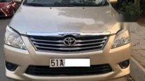 Cần bán lại xe Toyota Innova đời 2013, màu vàng số sàn