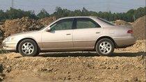 Cần bán Toyota Camry năm sản xuất 1998, màu hồng, nhập khẩu nguyên chiếc