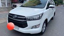 Cần bán xe Toyota Innova sản xuất 2017, màu trắng số sàn