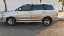 Cần bán Toyota Innova 2.0E năm 2013 giá cạnh tranh