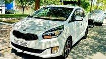 Cần bán lại xe Kia Rondo đời 2016, màu trắng xe gia đình, giá chỉ 587 triệu