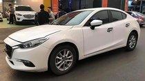 Bán Mazda 3 1.5AT 2018 bản Facelift, màu trắng, nội thất đen