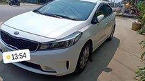 Cần bán xe Kia Cerato 2016, màu trắng