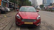 Cần bán xe Ford Focus 1.5AT bản Titanium năm 2016, màu đỏ, 655 triệu