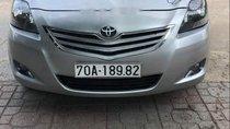 Cần bán xe Toyota Vios sản xuất năm 2011, màu bạc