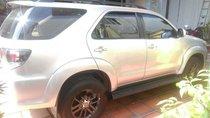 Bán Toyota Fortuner đời 2015, màu bạc xe gia đình, 855tr