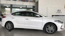 Bán Hyundai Elantra 1.6AT đời 2018, màu trắng