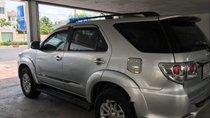 Cần bán lại xe Toyota Fortuner đời 2014, màu bạc, giá chỉ 798 triệu