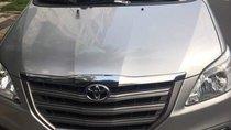 Cần bán Toyota Innova năm 2016, màu bạc số sàn, giá chỉ 600 triệu