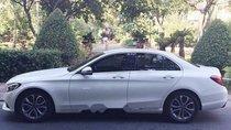 Cần bán Mercedes C200 sản xuất 2017, màu trắng