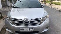 Cần bán gấp Toyota Venza đời 2009, màu bạc, xe nhập, 680tr