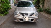 Cần bán xe Toyota Innova G năm sản xuất 2010, màu vàng