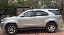 Cần bán lại xe Toyota Fortuner sản xuất 2013, màu bạc chính chủ