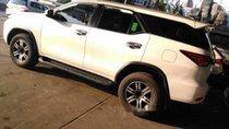 Bán Toyota Fortuner 2017, màu trắng, giá tốt