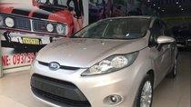 Cần bán gấp xe Ford Fiesta đời 2011, màu bạc