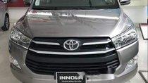 Cần bán xe Toyota Innova sản xuất 2019, màu bạc