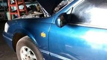 Cần bán gấp Toyota Camry sản xuất năm 2000, màu xanh lam