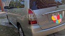 Cần bán xe Toyota Innova năm 2012, màu bạc, số sàn, giá 445tr