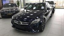 Bán Mercedes-Benz C200 2019 mới, hỗ trợ ngân hàng 90%, chỉ cần có 300tr là có thể mua xe. LH 0965075999