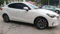 Gia đình cần bán xe Mazda 2, sản xuất 2017, số tự động, màu trắng