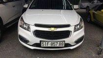 Cần bán Chevrolet Cruze LT năm 2017, màu trắng, xe đẹp như mới