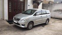 Bán Toyota Innova MT năm sản xuất 2013, màu bạc số sàn