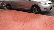 Bán xe Vios đời 2010, số tay, máy xăng, màu bạc, nội thất màu ghi, đã đi 110000 km