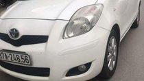 Cần bán Toyota Yaris Verso đời 2009, màu trắng số tự động, 355 triệu