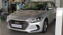 Bán Hyundai Elantra năm sản xuất 2019, màu bạc