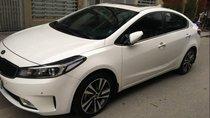 Cần bán xe Kia Cerato đời 2017, màu trắng