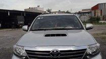 Cần bán Toyota Fortuner đời 2018, màu bạc, xe chính chủ sử dụng bảo dưỡng định kì, biển thành phố
