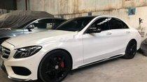 Chính chủ cần bán xe Mercedes 12/2015, màu trắng chính chủ