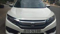 Bán xe Honda Civic đời 2017, màu trắng, xe nhà đi kỹ, bảo dưỡng thay nhớt định kỳ