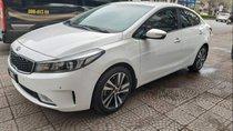 Cần bán gấp Kia Cerato 1.6 năm 2017, màu trắng đã đi 40000 km