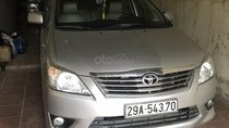 Cần bán Toyota Innova sản xuất 2012, màu bạc