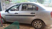 Cần bán xe Hyundai Verna đời 2010, màu bạc, nhập khẩu nguyên chiếc