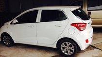 Cần bán Hyundai Grand i10 sản xuất 2015, màu trắng, nhập khẩu