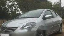 Cần bán xe Toyota Vios đời 2012, màu bạc xe gia đình