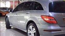 Bán Mercedes R300 đời 2012, màu bạc xe gia đình
