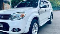 Bán gấp Ford Everest MT đời 2014, màu trắng, xe gia đình