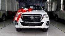 Bán Toyota Hilux 2.4E 2019, màu trắng, xe nhập, giá chỉ 695 triệu