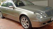 Bán xe Mercedes E240 sản xuất năm 2004, màu bạc