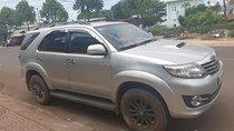 Cần bán xe Toyota Fortuner G năm 2015, màu bạc, xe đẹp