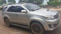 Cần bán Toyota Fortuner 2.5G năm sản xuất 2015, màu bạc