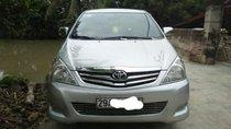 Cần bán gấp Toyota Innova V đời 2008, màu bạc số tự động