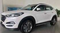 Cần bán Hyundai Tucson 2.0 AT ĐB đời 2019, màu trắng