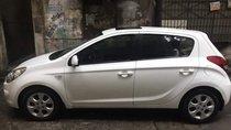 Bán Hyundai i20 sản xuất năm 2011, màu trắng, xe nhập xe gia đình