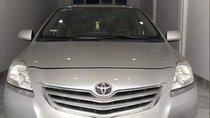 Chính chủ bán lại xe Toyota Vios đời 2010, màu bạc