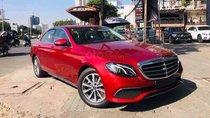 Cần bán Mercedes E200 sản xuất 2019, màu đỏ. Ưu đãi hỗ trợ bảo hiểm - phí đăng ký xe
